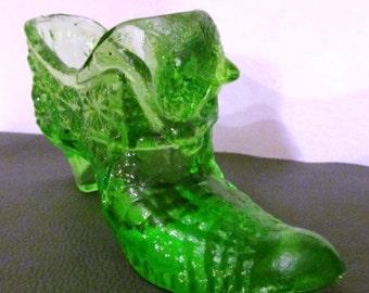 Vintage Fenton Dark Green Vaseline Cat Head Shoe Daisy Pattern