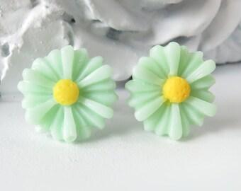 Mint Daisy Stud Earrings