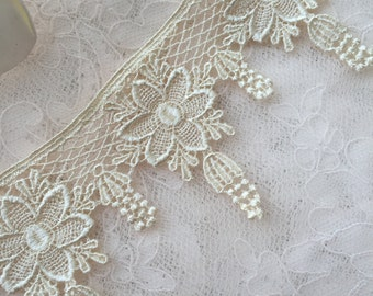 Flower Venice Lace Trim Scalloped Teardrop Trim 2.55 Inches Wide 2 Yards