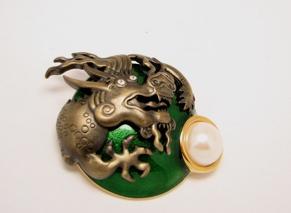Green Brooch Dragon De...
