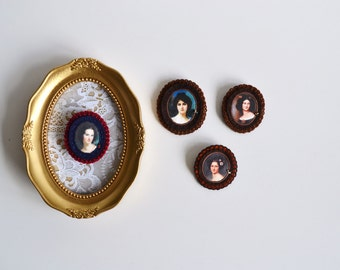 burgundy and navy blue portrait brooch - felt pin broach - lady portrait brooch pin - museum painting brooch - gift for her
