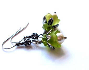 Green bud earrings - lucite flower with pearl and glass flower cap in antiqued silver. Botanical earrings. Green botanical Spring jewelry
