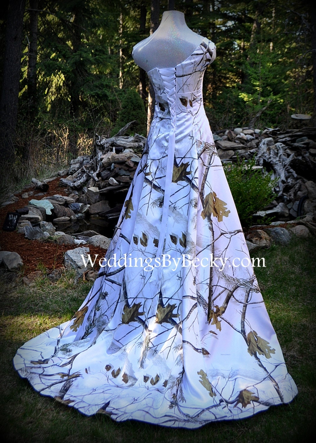 Camouflage and camo-themed Bridal and Wedding dreseses.