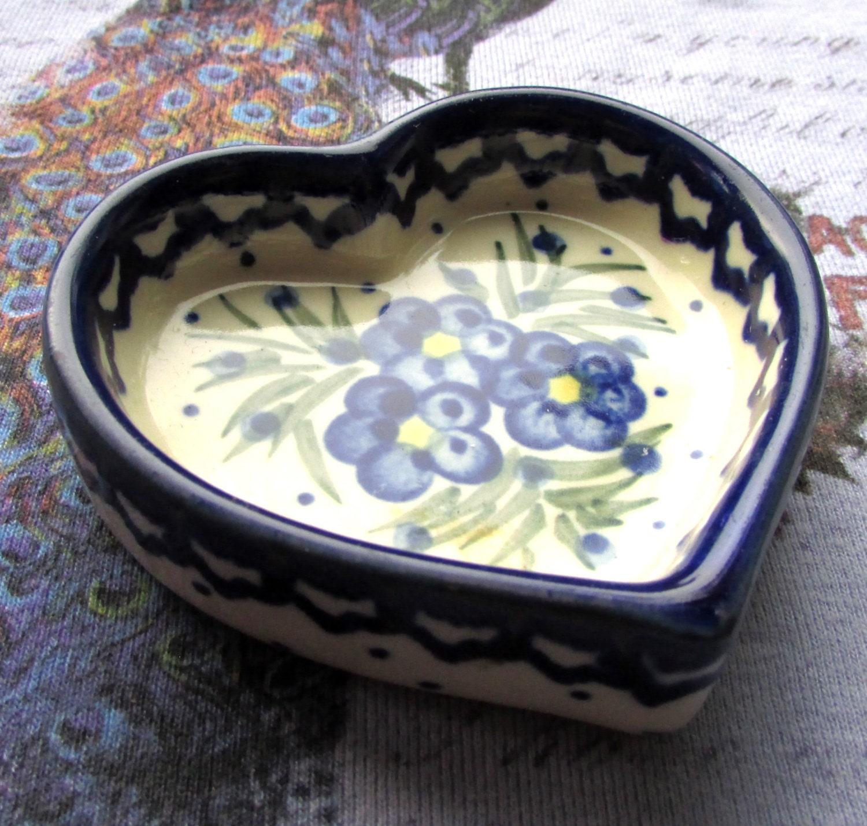 Pottery trinket dish heart shaped dish blueberries jewelry for Heart shaped jewelry dish