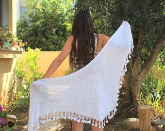 White shawl, Wedding shawl - flowers Fringe Scarf, Womens Hand Knit Shawl, Accessories for Women, hand knit shawl