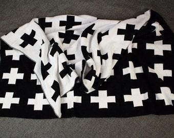 Swiss cross monochrome knit blanket