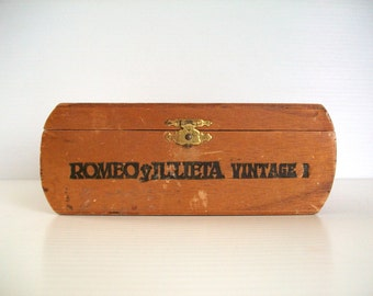 wooden cigar box . Romeo y Julieta box . cigar boxes . supplies . craft supplies . wooden boxes for collage . vintage wooden cigar boxes