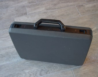 Very Cool Vintage Modern Design Samsonite Broker Briefcase- Check out all of our Vintage Cases