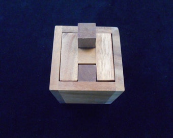 Haselgrove Box - A wood puzzle based on an ancient locking mechanism