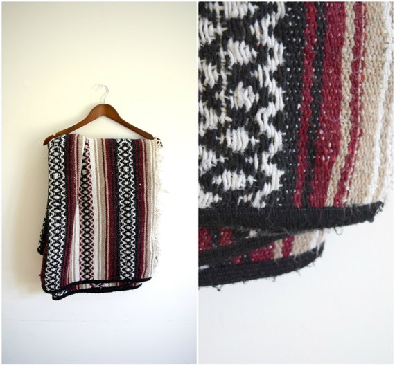 Vintage Retro Mexican Blanket / Tribal Pattern Woven Picnic