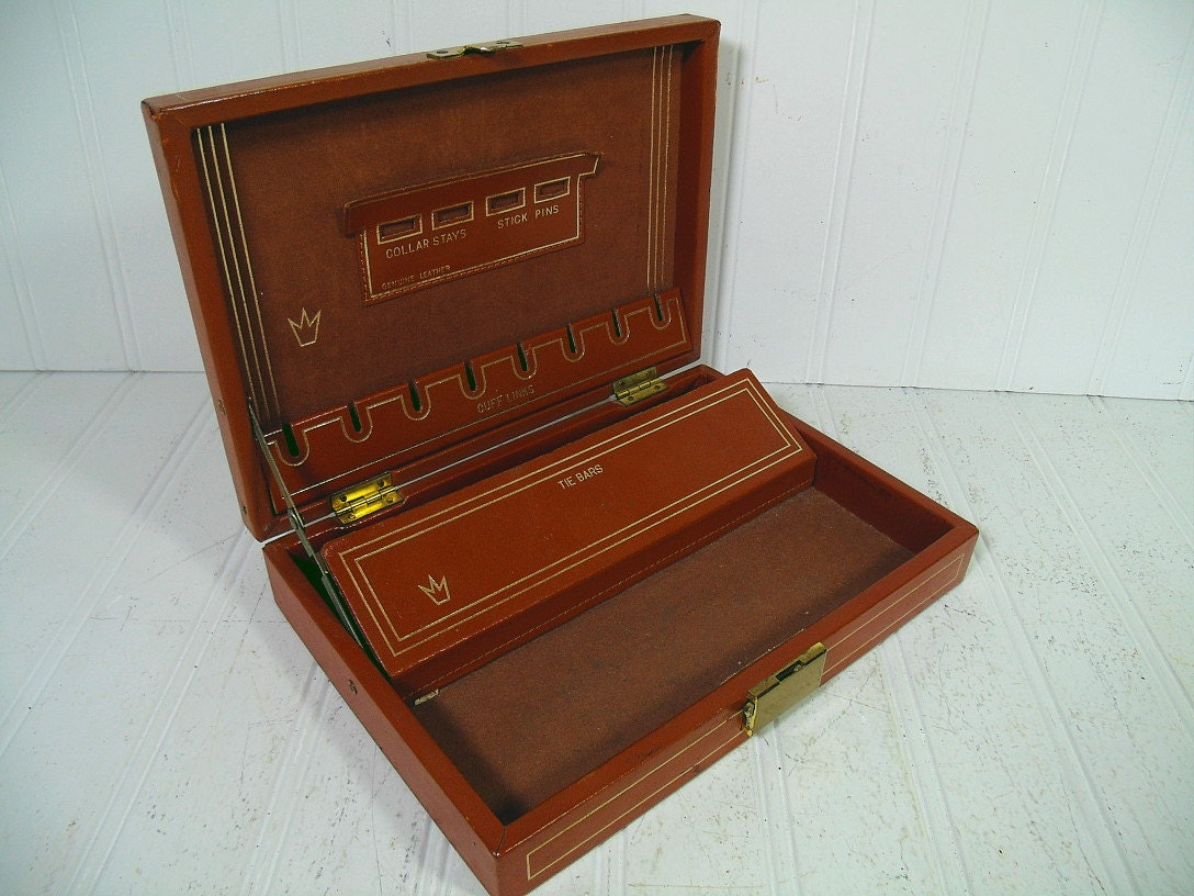 Vintage Saddle Tan Leather Jewelry Box With Gold By