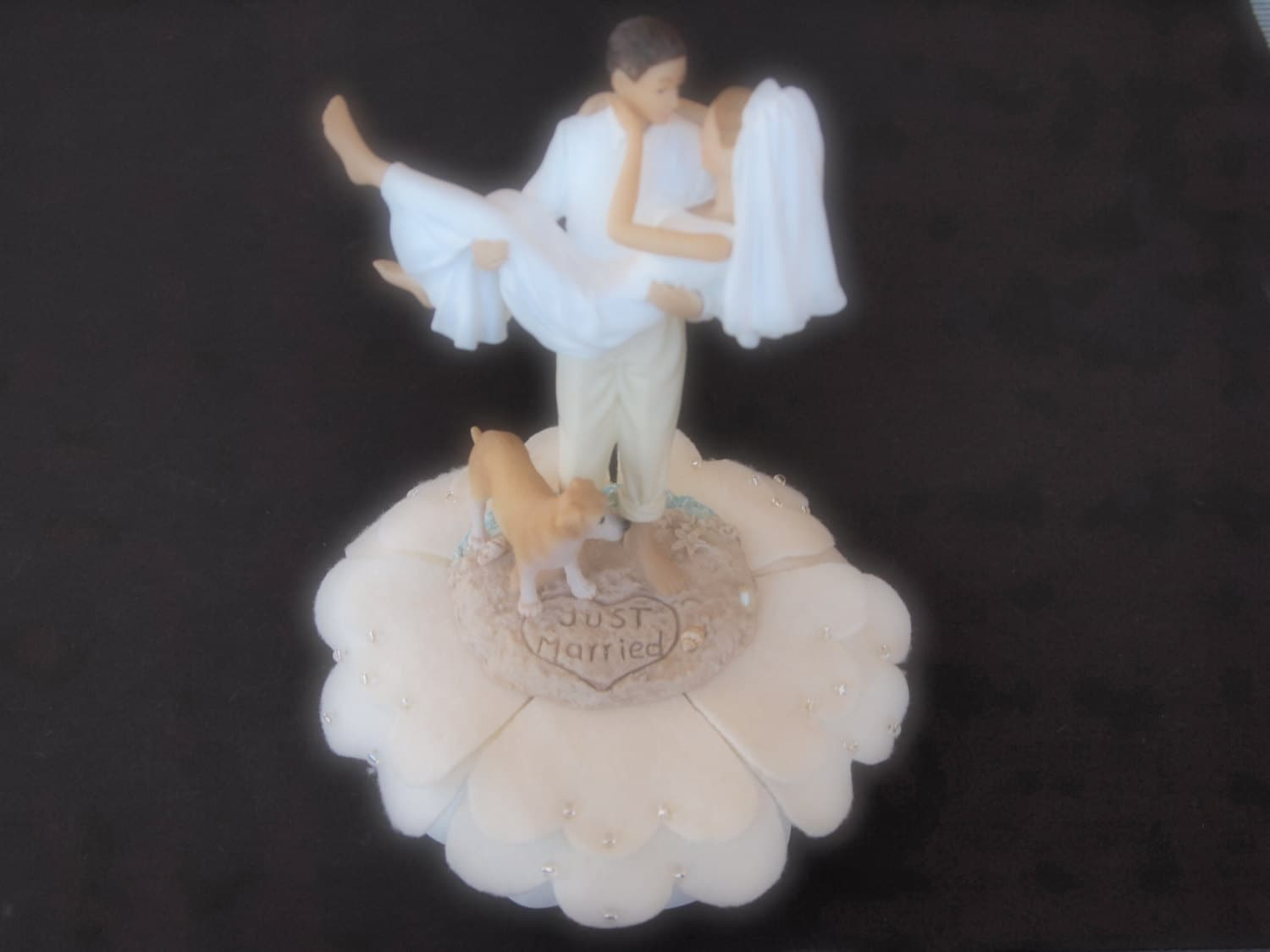 Cake Topper Wedding Bride and Groom Ivory Dog Yellow Lab