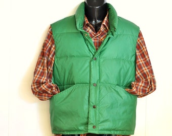 Puffy Down Vest in Bright Green 1970's Outerwear Unisex Style Fashion Snap Up Made in America Menswear Woodland Sportsman Hipster