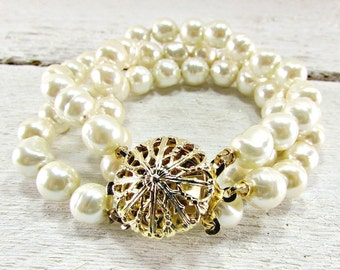 Vintage Glass Baroque Pearl Bracelet, Miriam Haskell, Hand Knotted Triple Pearl Bracelet, 1940s WWII Sweetheart Wedding Birdal Jewelry