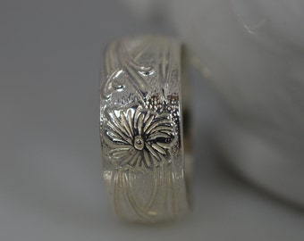 Wide Sterling Silver Floral Pattern Ring