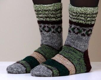 Hand knit wool socks. Size - medium to large US W 9, EU 40