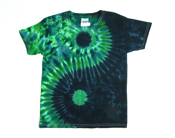 Yin and Yang Symbol / Mens' Tie Dye Shirt / Standard and Plus Sizes / Short or Long Sleeves / Green & Blue / Eco-friendly Dyeing M1BuhRbH