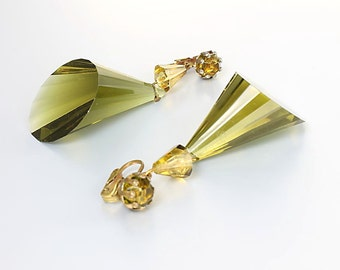 Vintage Olivine Earrings.  Olive Green Lucite Faceted Mod Dangle. vintage Earrings jewelry
