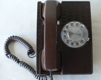 vintage telephone, dial, brown, faux alligator, desk model, from Diz Has Neat Stuff