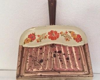 Vintage Metal Dustpan - Floral - Orange Rust Yellow Flowers - Copper Tone  - J V Reed Louisville Kentucky -Cottage Decor - Farmhouse Kitchen