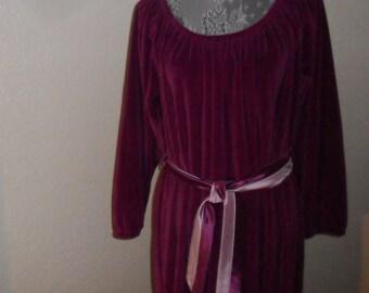 Gilead Hostess Gown Nightgown Velvet Purple Medium Peasant Style Boho Holiday