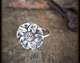 Silver Flower Ring, Botanical Ring, Beach Jewelry Silver Ring Boho Jewelry, Botanical Jewelry, Statement Ring, Stacking Ring Ocean Jewelry