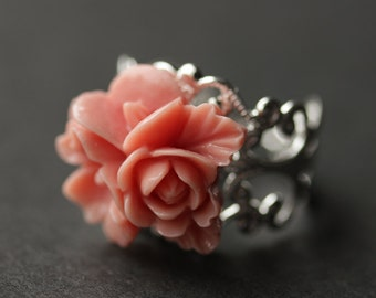 Antique Pink Flower Ring. Flower Cluster Ring. Antique Pink Ring. Salmon Pink Ring. Adjustable Ring. Silver Ring. Handmade Jewelry.