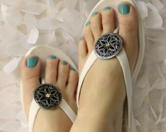 Black and Silver Flower Flip Flop Wraps Flexible Removable Versatile Shoe Clips, Slippahs, Sandals, Scarves, Boots, Pendant