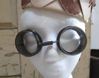 Vintage Safety / Riding Goggles. Vintage American Optical Goggles. Cool retro Steampunk Goggles.....