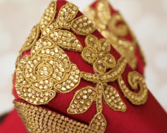 Red Wedding Shoes, Gold Wedding Shoes, Indian Weddings, Crystal Wedding Shoes, Indian Wedding Accessories, Gold Wedding, Wedding Shoes Bling