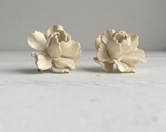 Vintage 40's White Oleander Earrings / Wedding Day Earrings