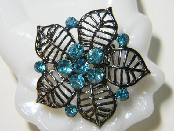 Aqua Blue Rhinestone Brooch - Openwork Metal in Vintage Floral Style -  Swarovski Crystals
