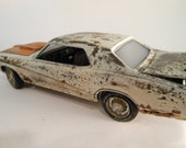 Scale Model Car Classicwrecks Mercury Cougar in White