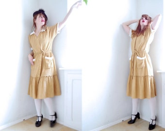 Vintage 50s Shirt Dress / Yellow / white lace collar / Shirt dress / Mid Lenght Daydress / M-L / Two pocket dress 40s 50s retro style