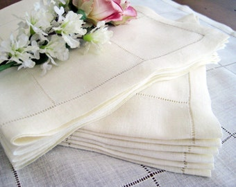 "12 Vintage Dinner Napkins, Italian Fine Linen 1930's, Light Champagne, Geometric Grid Drawn Work, 18"" x 17"""