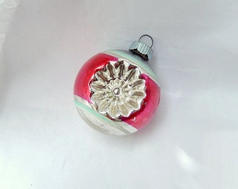 vintage glass ornament, Shiny Brite, with 2 reflector indents, red and silver, Christmas tree decor