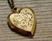 Antique Floral and Striped Reversible Heart Locket, Gold Filled Engraved Initial S R Monogram Locket, Antiqued Brass Plated Chain