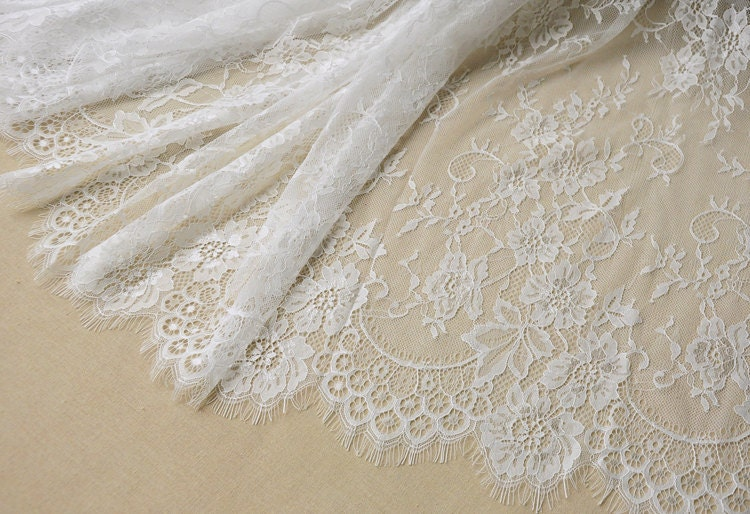 Off white chantilly lace fabric - Chantilly telas ...
