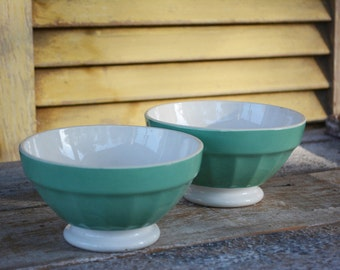 A Pair of vintage French cafe bowls, Cafe au Lait bowls for French Kitchen Decor