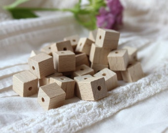 Wooden cube  beads / pack of 100 / natural wood beads / diy wooden jewelry / geometric beads 13 mm