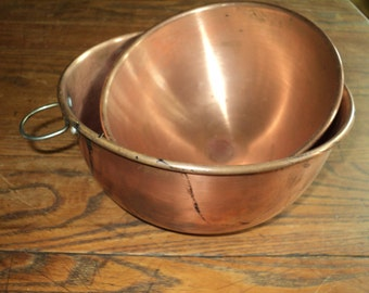 2 Solid Copper Cooking, Mixing, Nesting Bowls that  are both decorative and functional with wonderful patina in Good Vintage Condition