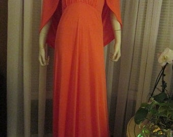 1970's Ladies CLARALURA Original BIG GIRL Floor Length Dress