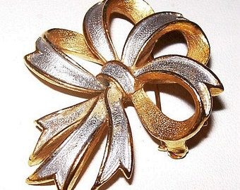 "Designer Brooch Pin Signed St Labre White Gold Enamel Ribbon Bow Design 2"" Vintage"
