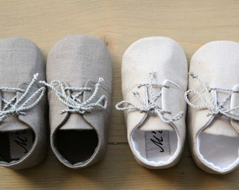 Linen baby shoes, linen booties, grey linen outfit, unisex baby shoes, christening shoes, baby summer outfit, linen booties