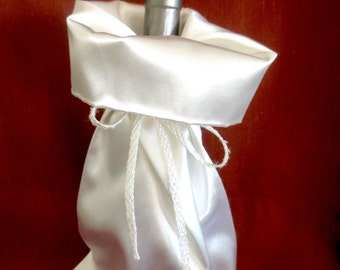 Wine Bottle Gift Bag / White Satin Wine Bag / Wedding Champagne Bottle Bag / Wine Bag