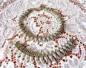 Stunning Silver Lisner Necklace and Bracelet Set