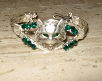 Cute As A Button Wire Wrapped Cat Lovers Bracelet With Emerald Swarovski Crystals