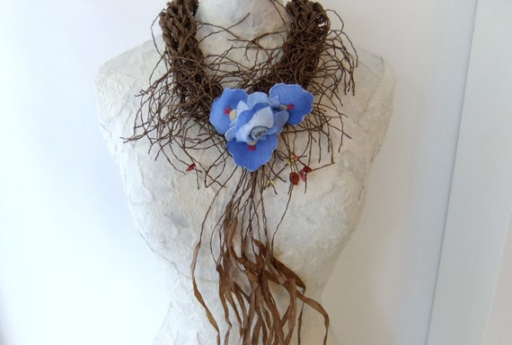 Finger Knitting Flowers : Items similar to finger knit paper necklace w vintage