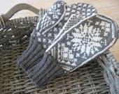 Mittens in Traditional Scandinavian Snowflake Pattern MALIN