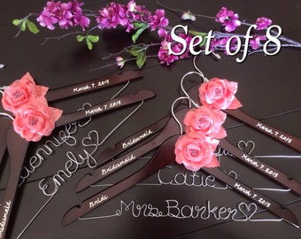 Set of 8---Personalized Hanger,  Custom Bridal Hangers,Bridesmaids gift, Wedding hangers with names,Custom made hangers